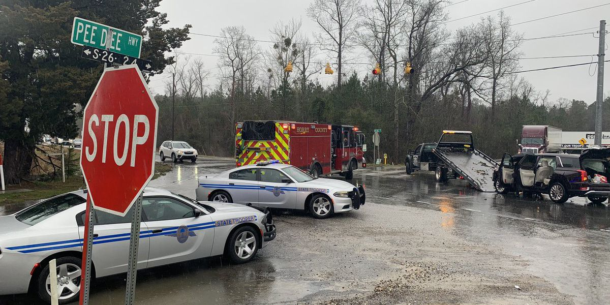 Two-vehicle crash on Highway 378, Pee Dee Highway blocks traffic