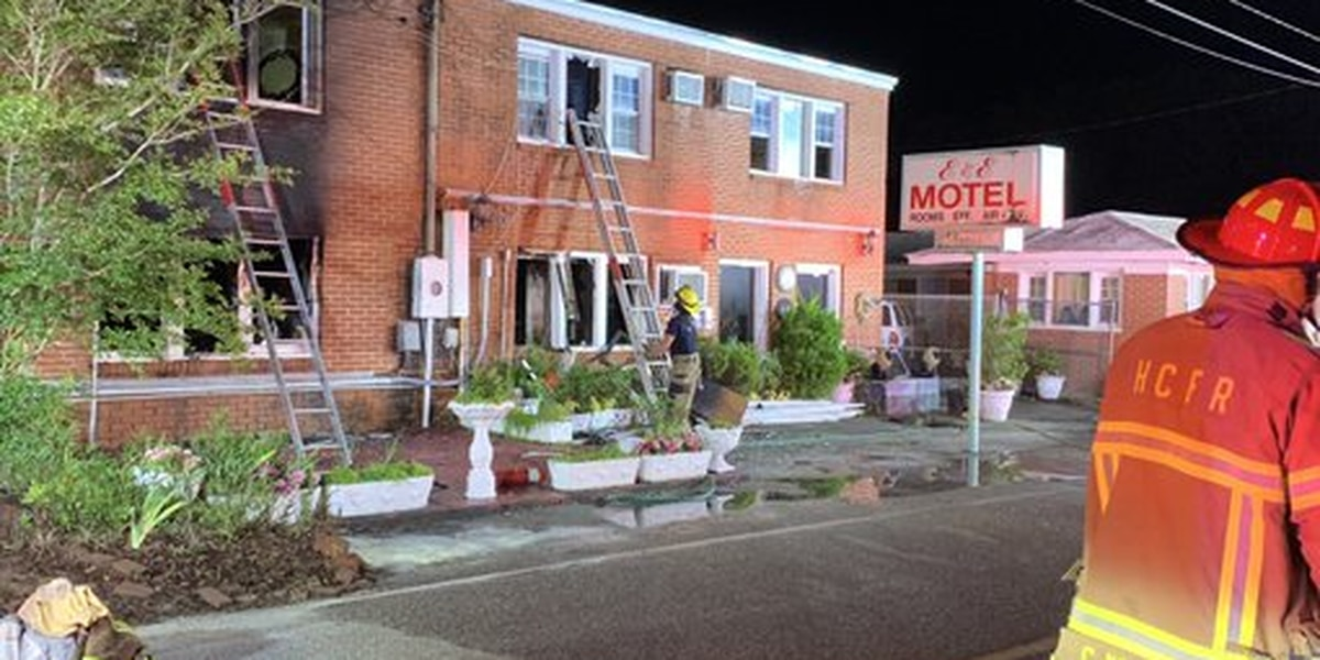 Apartment fire displaces 14 people in Atlantic Beach