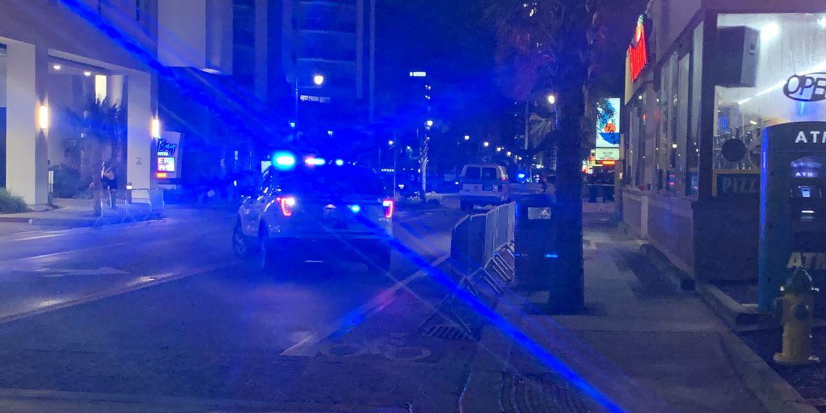 Police: 3 injured in Ocean Blvd. shooting