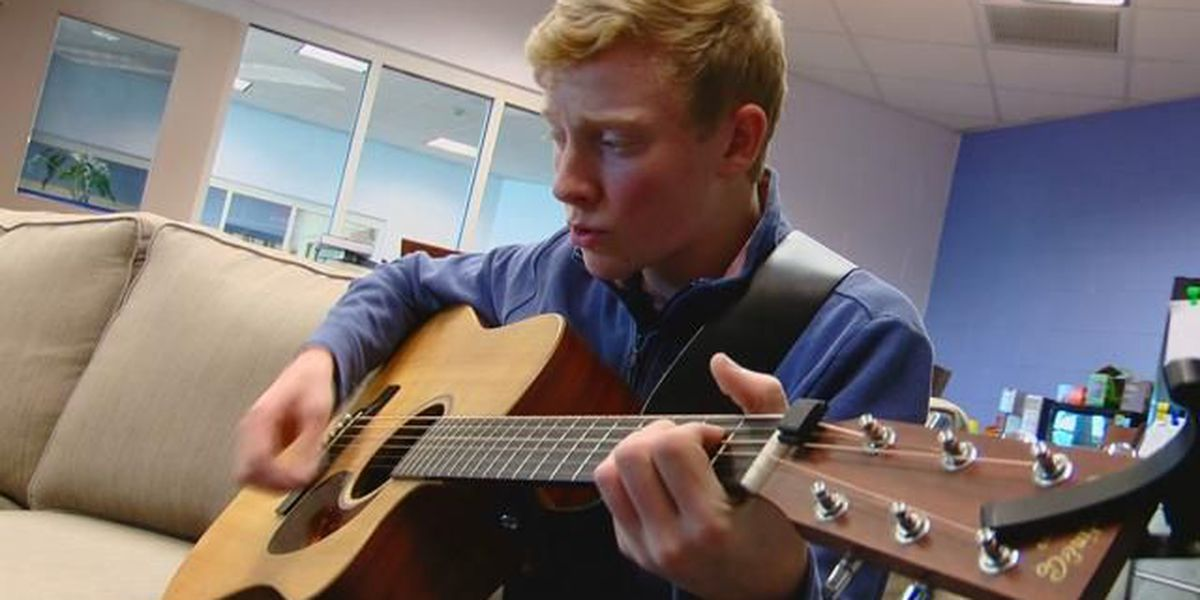 'Man, I love to sing:' Aynor High sophomore has hopes to be country star