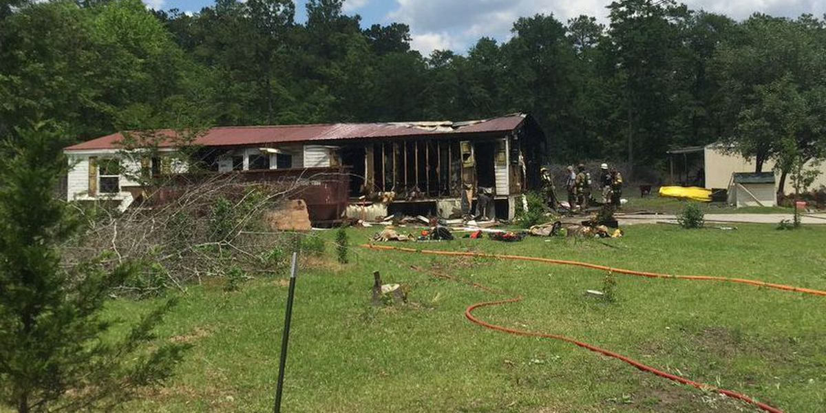 Horry County firefighters respond to structure fire in Loris