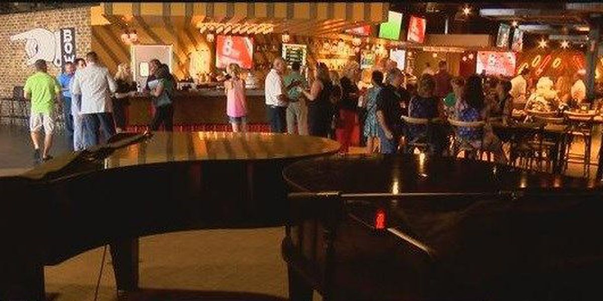 Restaurant Scorecard: New bowling alley serves up the late night classics, two places get perfect scores