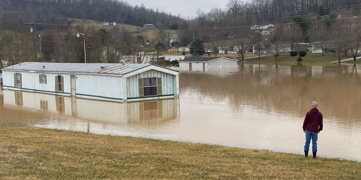 WATCH: Severe flooding swamps homes in Mt. Vernon, Ky.