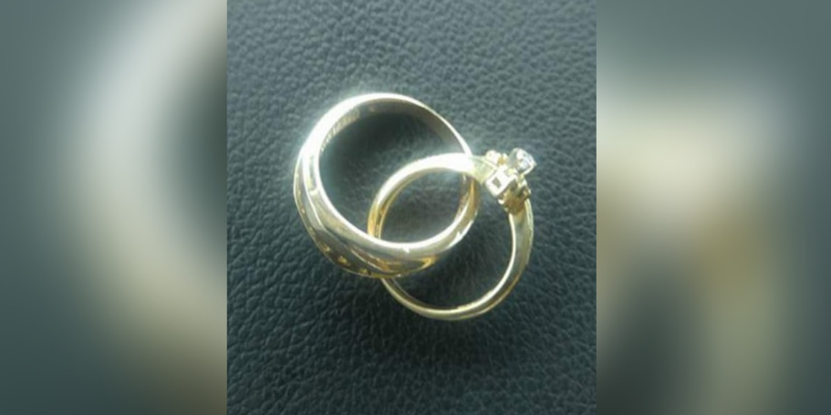 Man loses special necklace honoring late wife during Myrtle Beach vacation