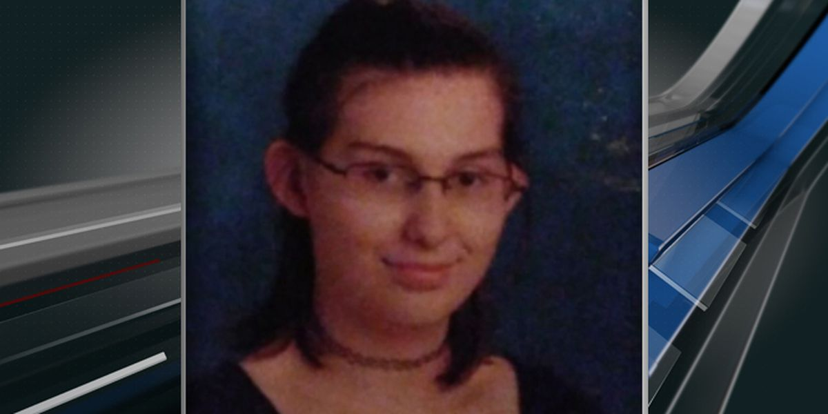 Charleston police searching for missing 15-year-old girl