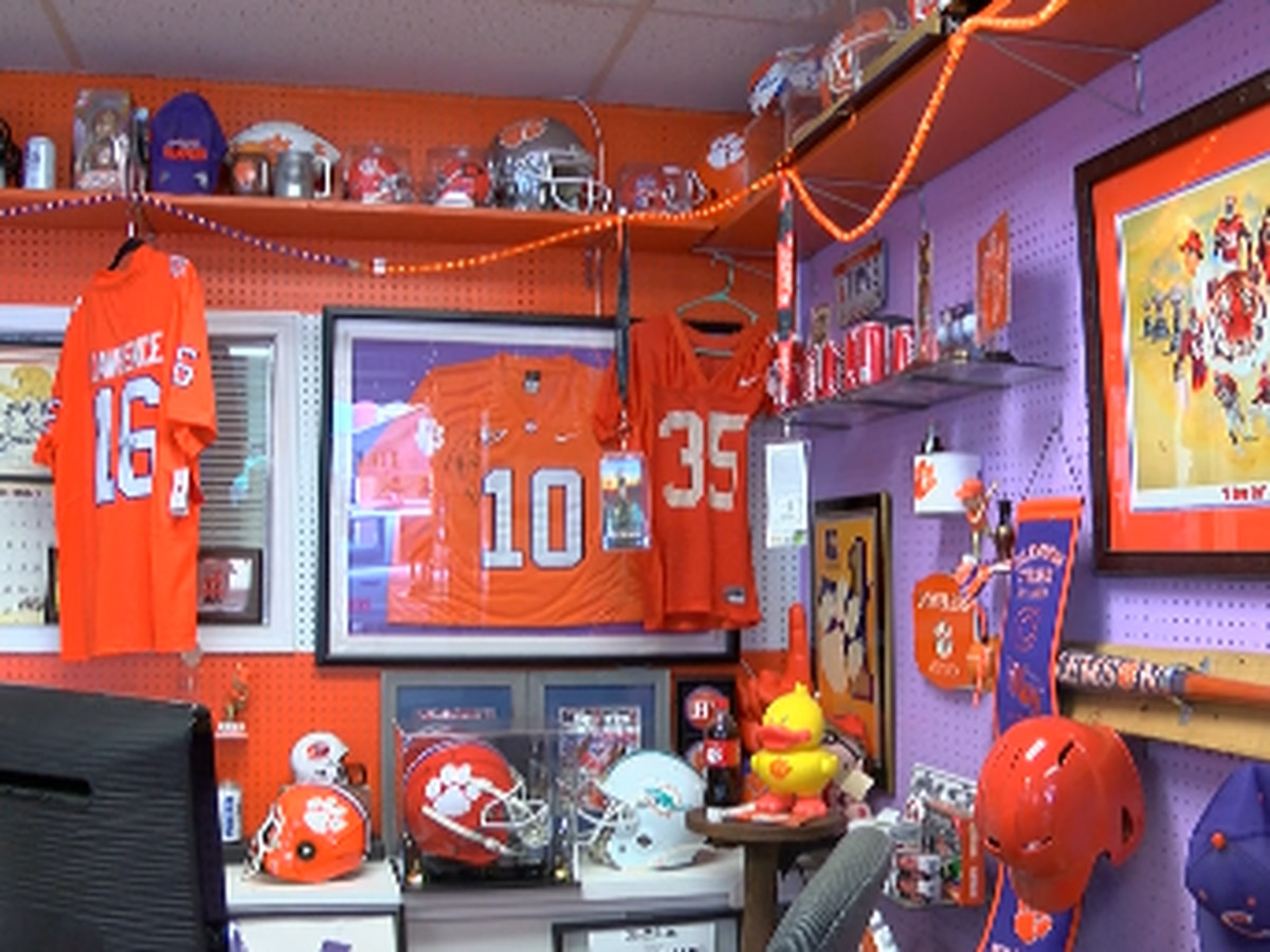 Grand Strand Clemson superfan shows off memorabilia ahead of National Championship showdown