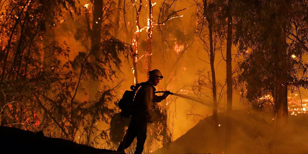 PG&E restoring power to thousands in California