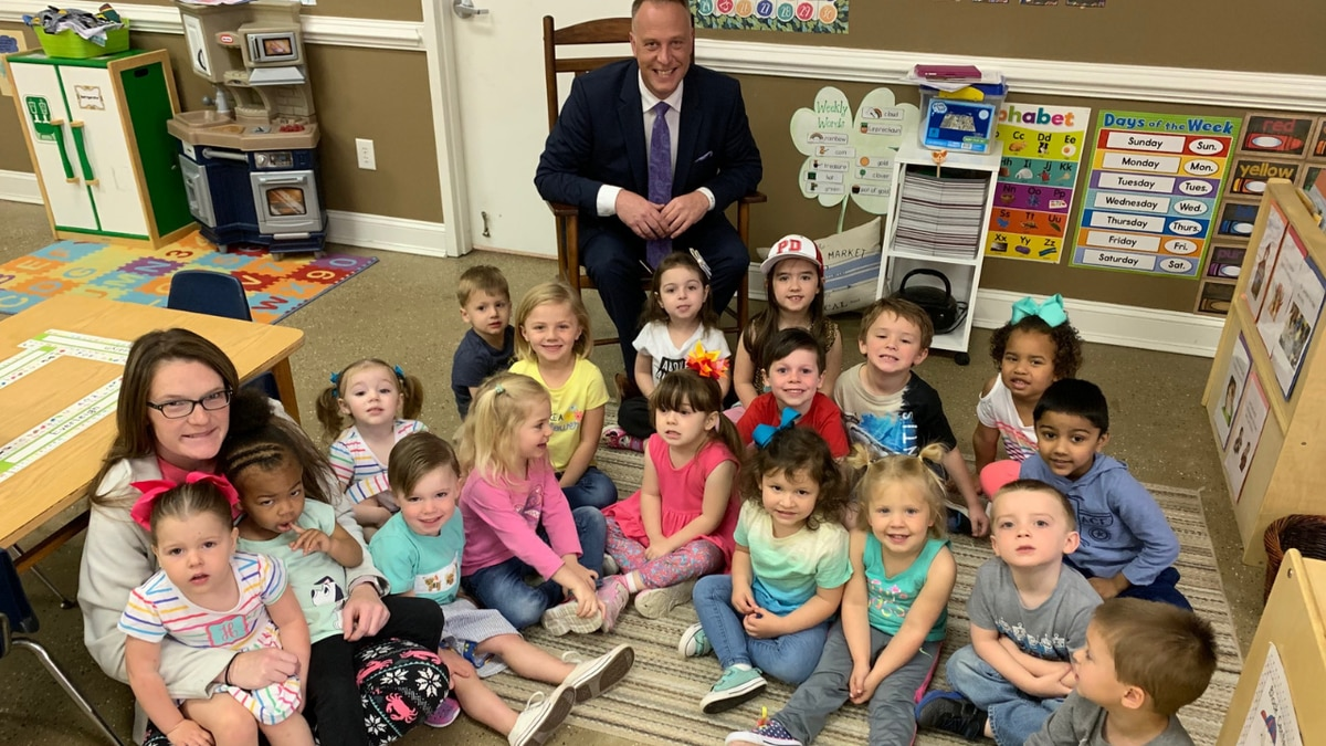 Chief meteorologist Jamie Arnold talks weather with students in Conway
