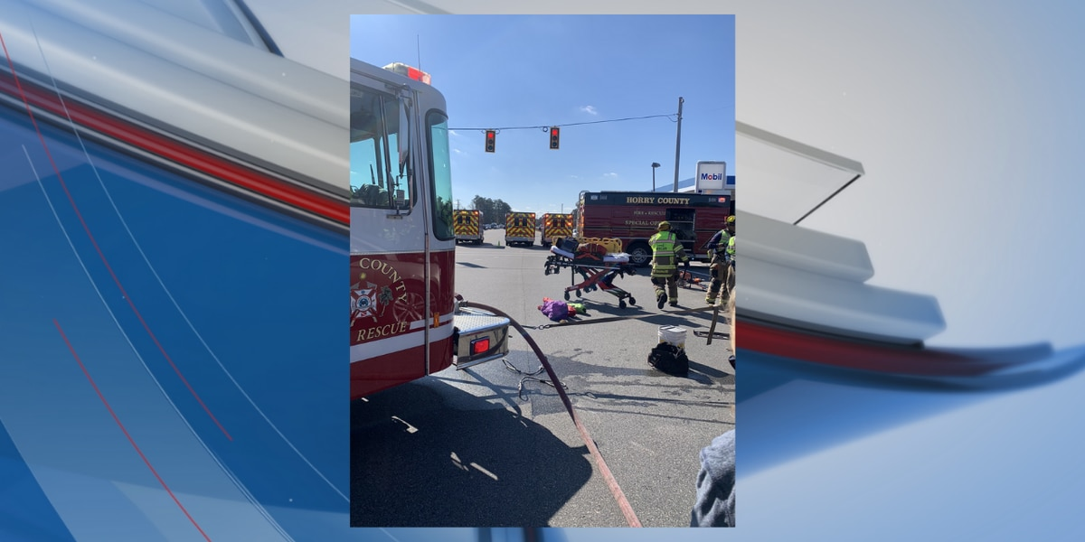 TRAFFIC ALERT: 2 injured after wreck involving entrapment in Horry County