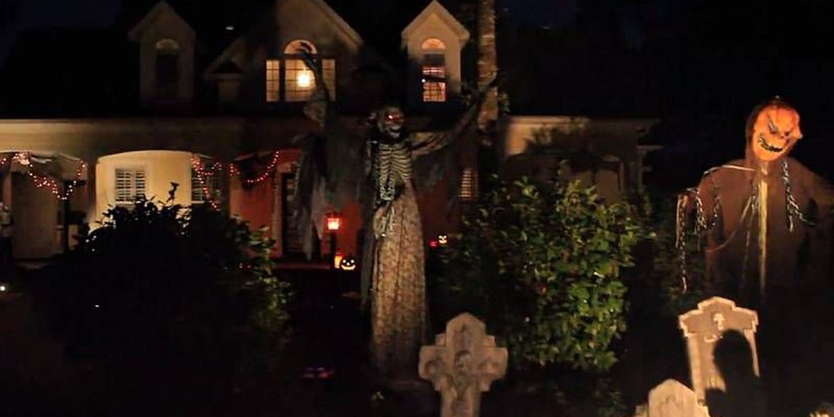 SLIDESHOW: Halloween displays and decorations