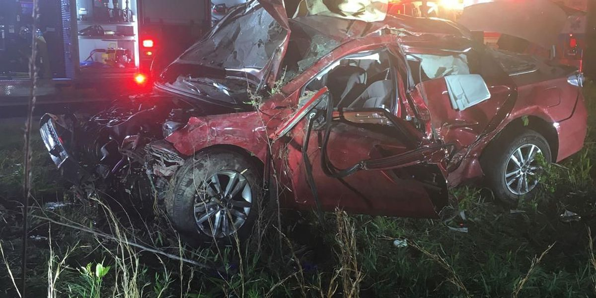 Crews use jaws of life to rescue driver in Florence wreck