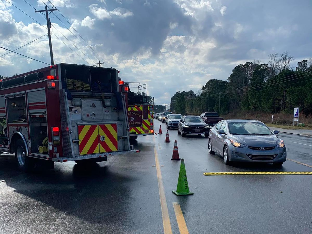 Two injured in rollover crash on Hwy. 707 in Socastee