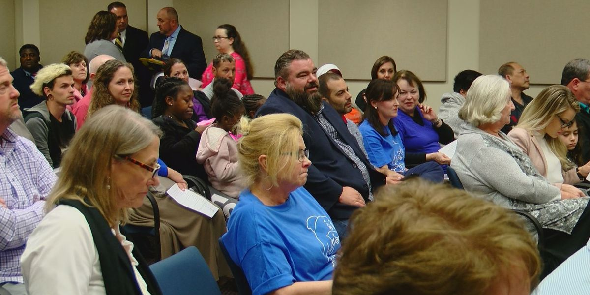 Horry County School Board addresses mold concerns at board meeting