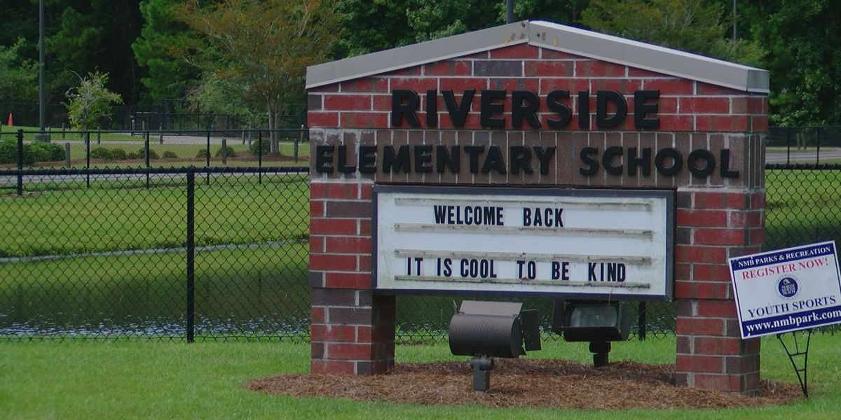'Accident waiting to happen': Parents concerned about traffic issues at Riverside Elementary School