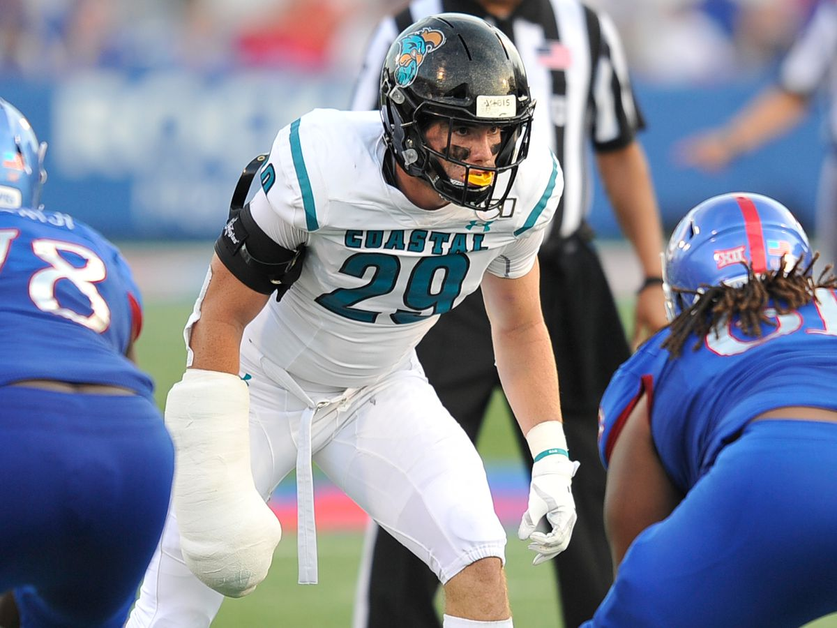 """""""It nearly brought tears to my eyes"""": CCU linebacker Silas Kelly describes recovery from ACL injury"""