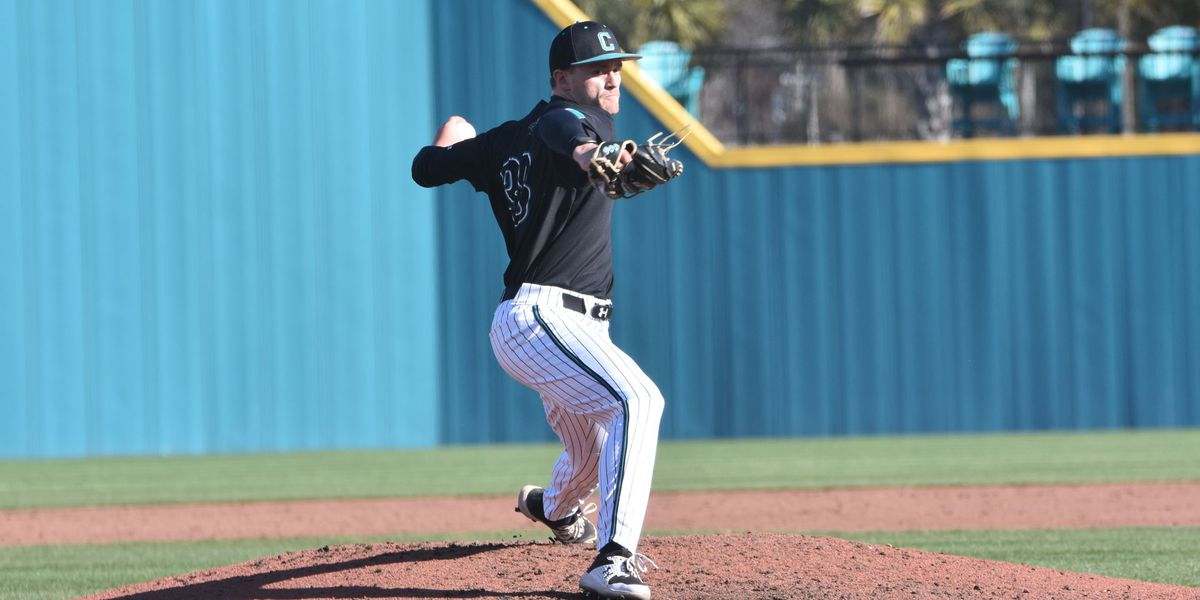 CCU Baseball drops extra-inning contest to UConn, 5-4