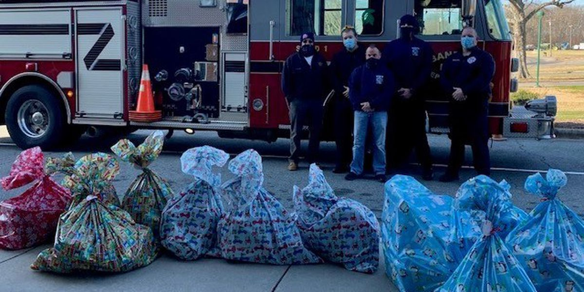 Local fire department buys Christmas gifts for five elementary students' families