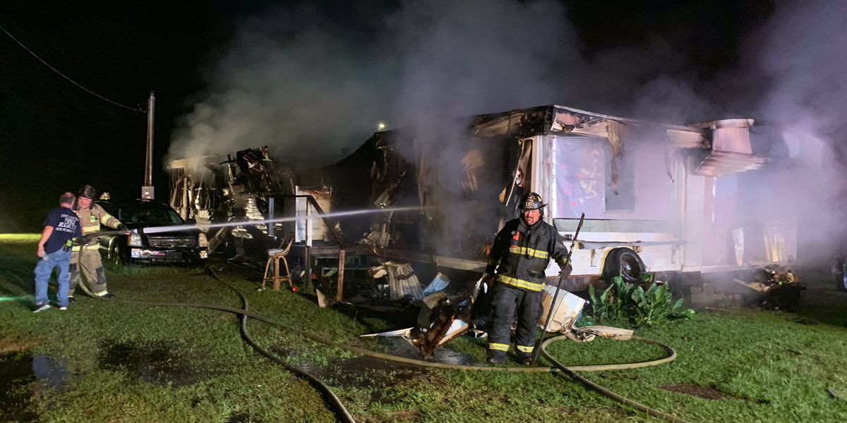 Crews investigate cause of Loris fire that injured one person