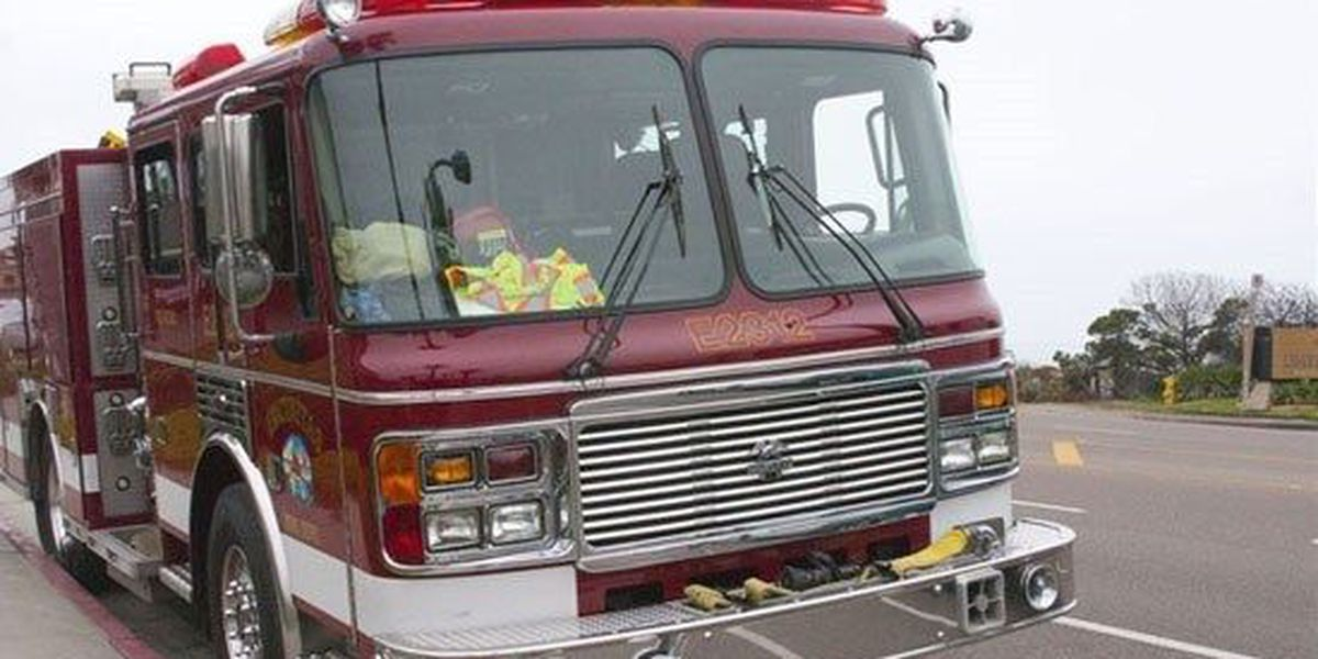Two firefighters hurt in fire truck crash in Darlington County
