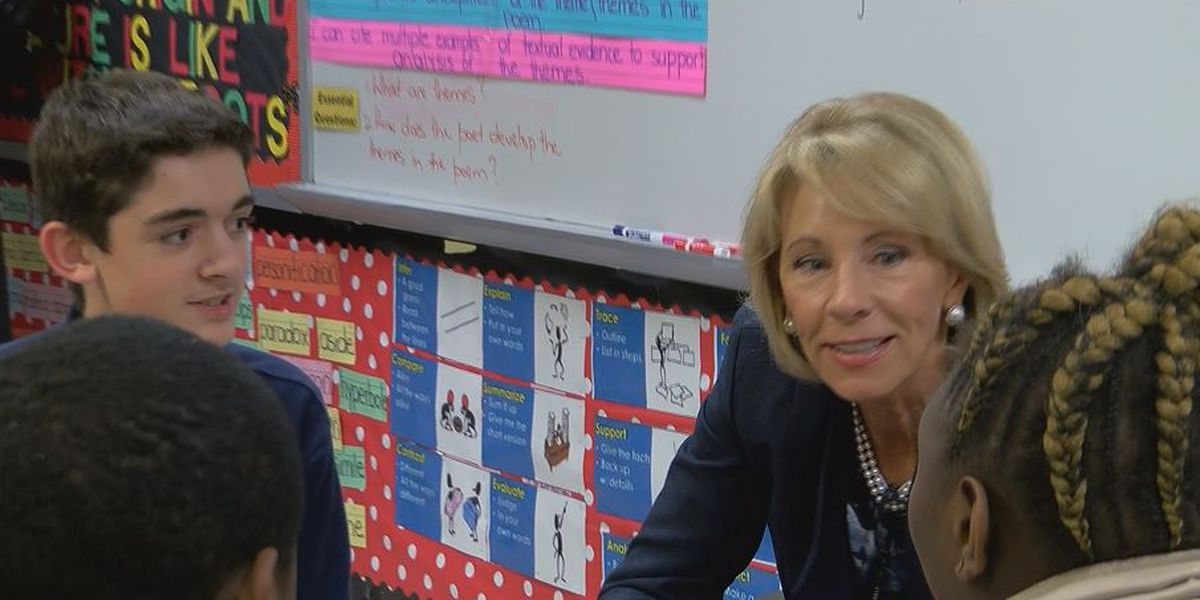 U.S. Secretary of Education visits Florence County schools, talks education reform with local leaders