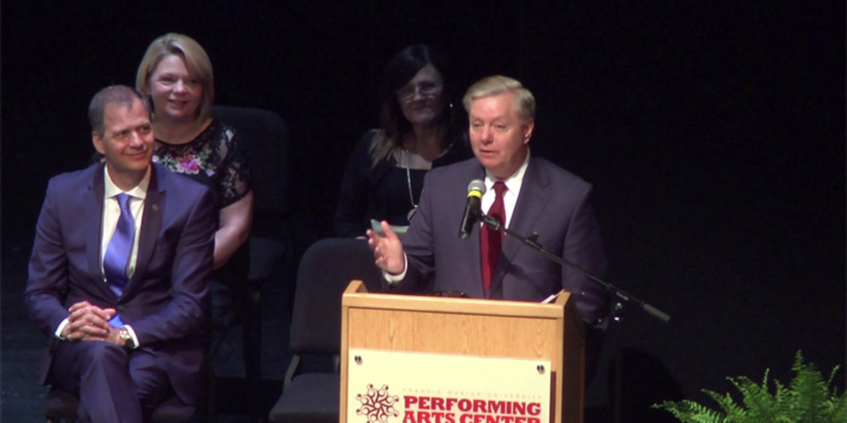 Sen. Graham speaks at Trinity-Byrnes Collegiate School graduation