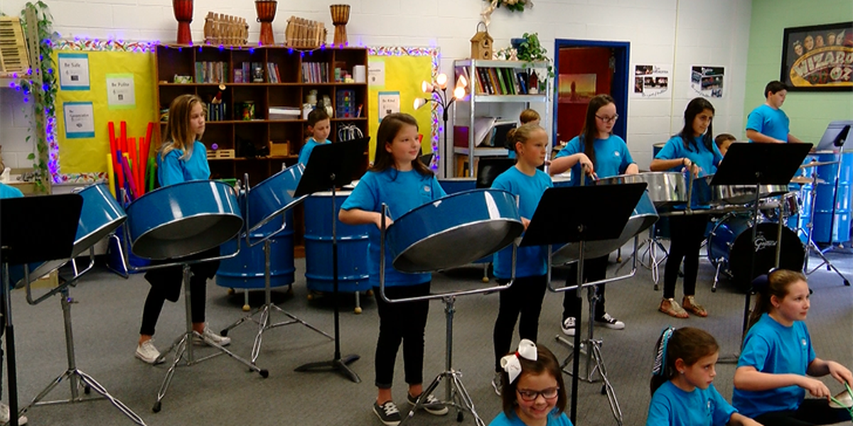 Aynor Elementary performs Christmas Music