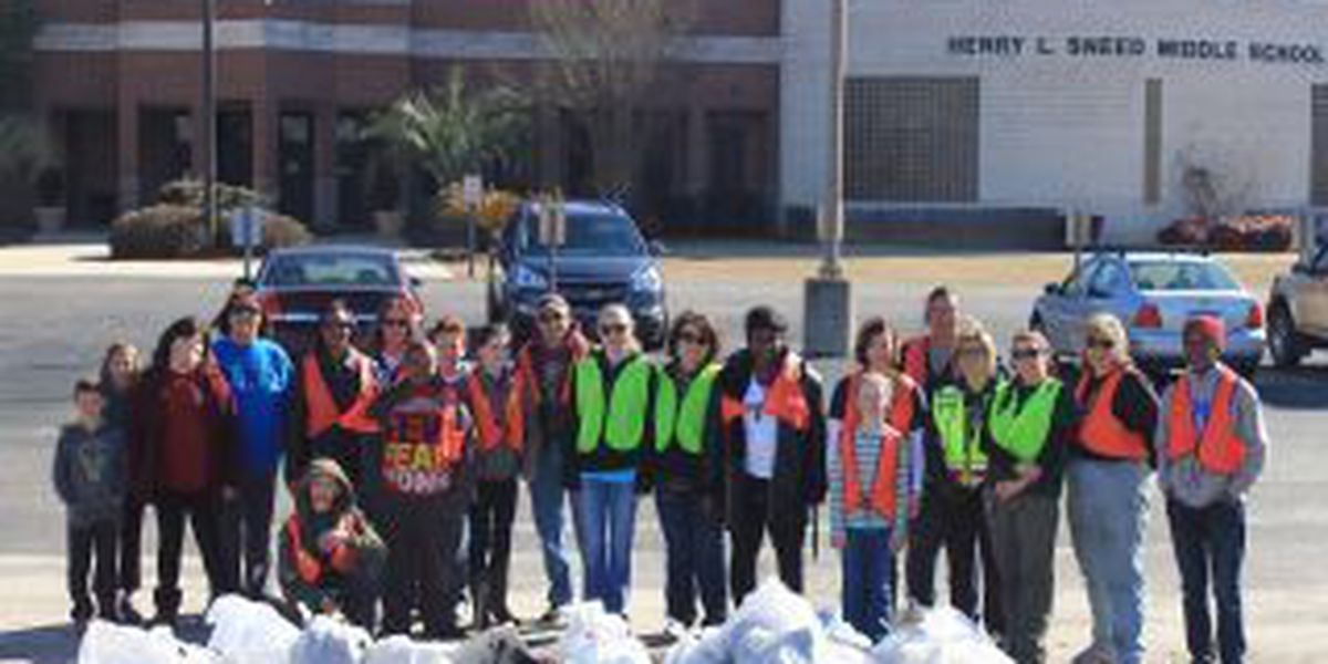 Florence County community picks up litter near Sneed Middle School
