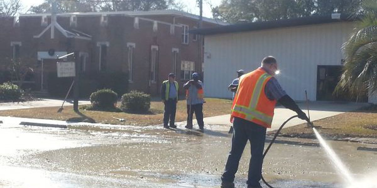 Crews continue to clean up Georgetown sewage leak