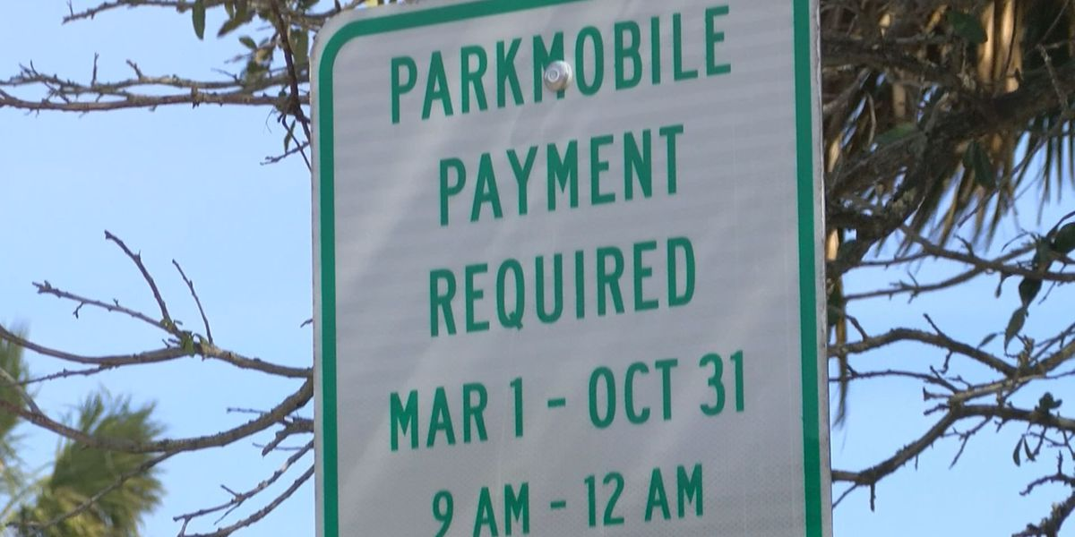 People to gather on beach for last free parking weekend until November