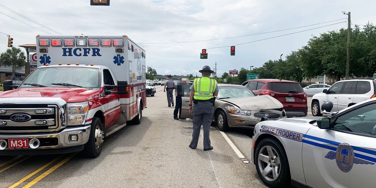 Multi-vehicle crash near Dick Pond Rd., Sayebrook Pkwy. slows traffic