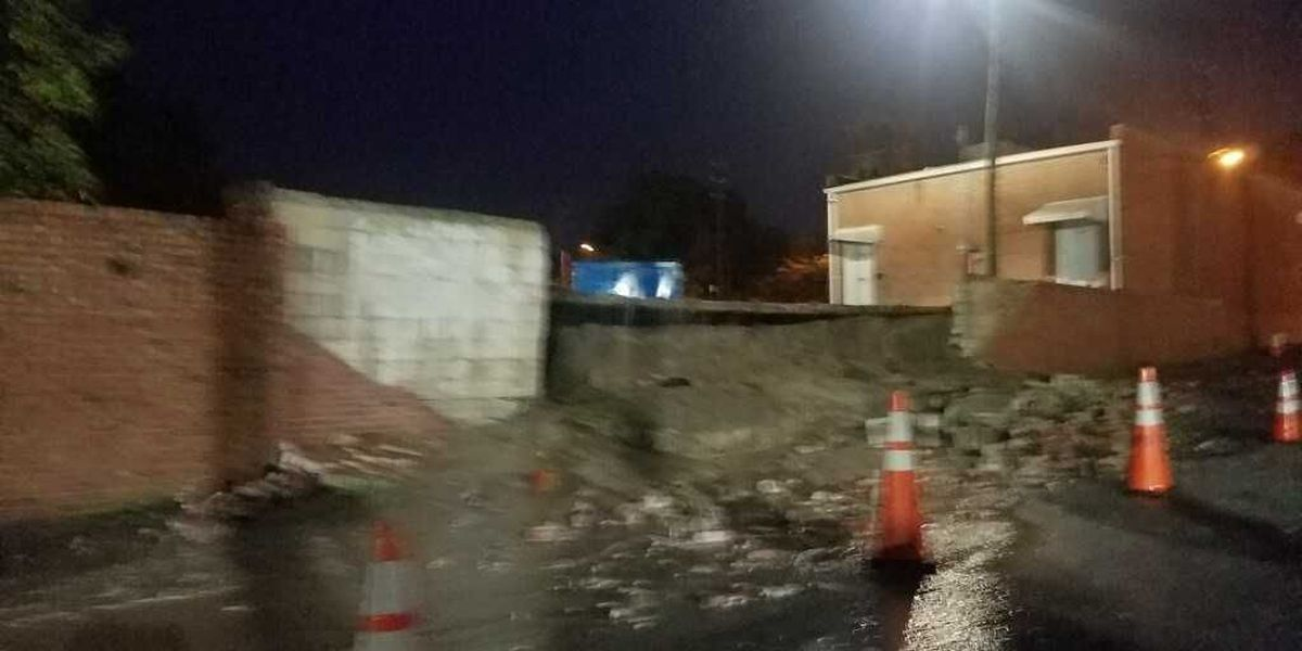 Wall collapsed on Darlington road forces lane closure