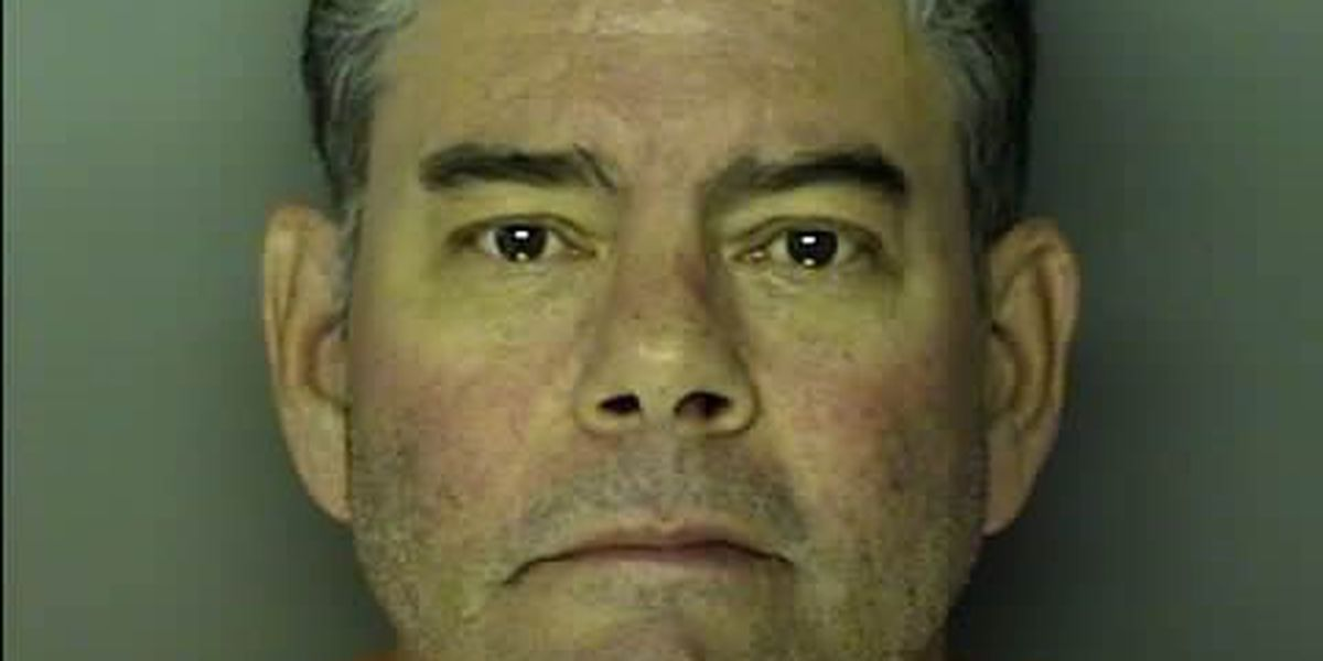 Attorney arrested after allegedly exposing himself near Surfside Beach beach access