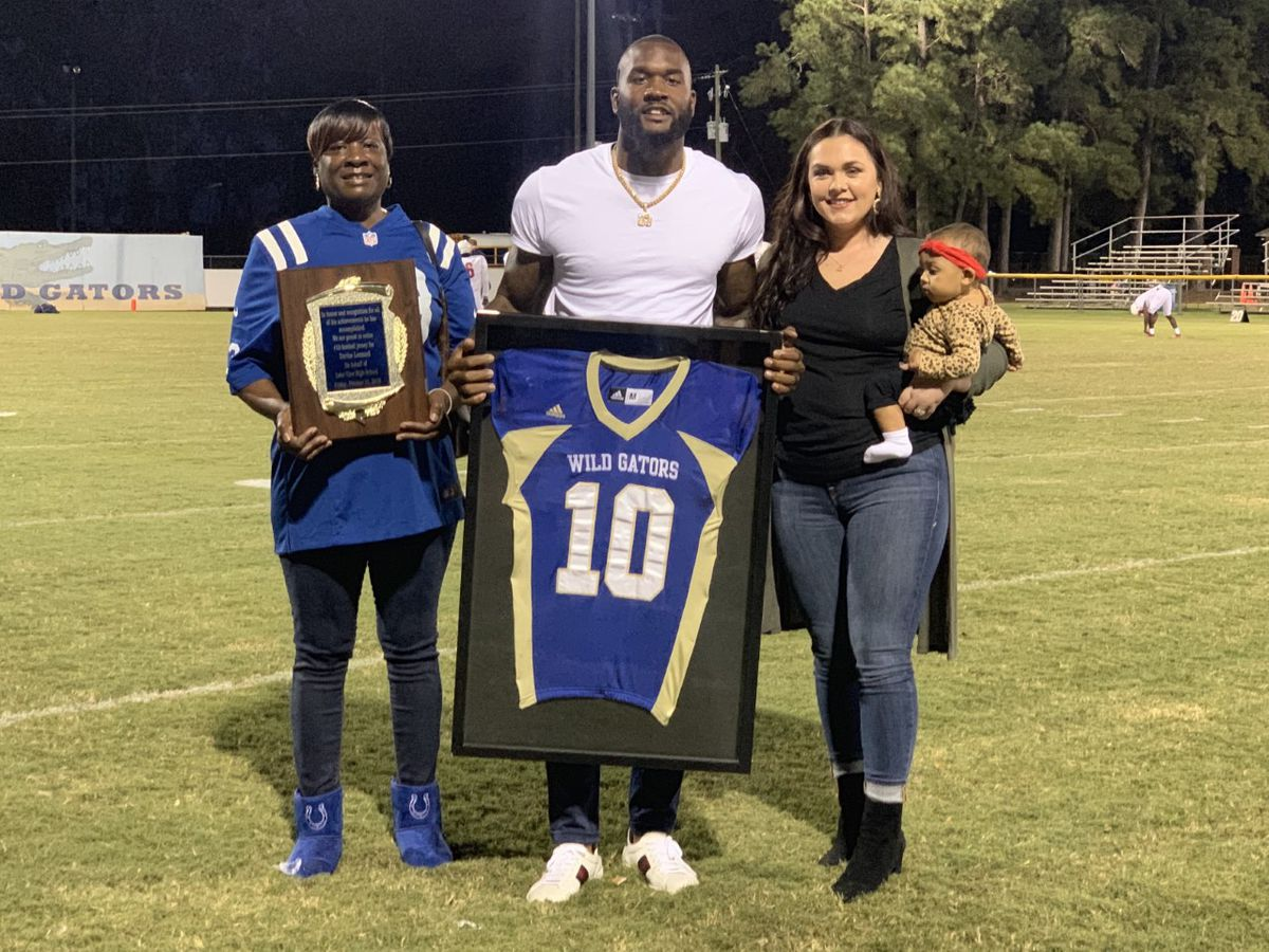 Former Lake View HS standout, NFL star returns home for charity event and jersey retirement