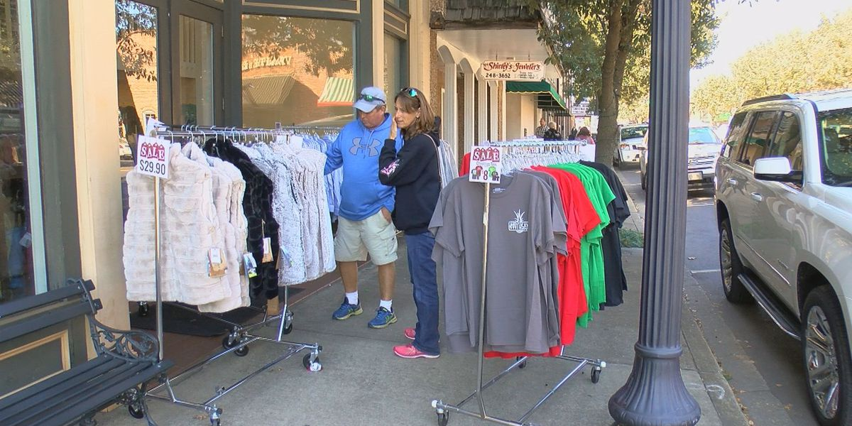 'Keeps your downtown alive': Local stores stress importance of Small Business Saturday