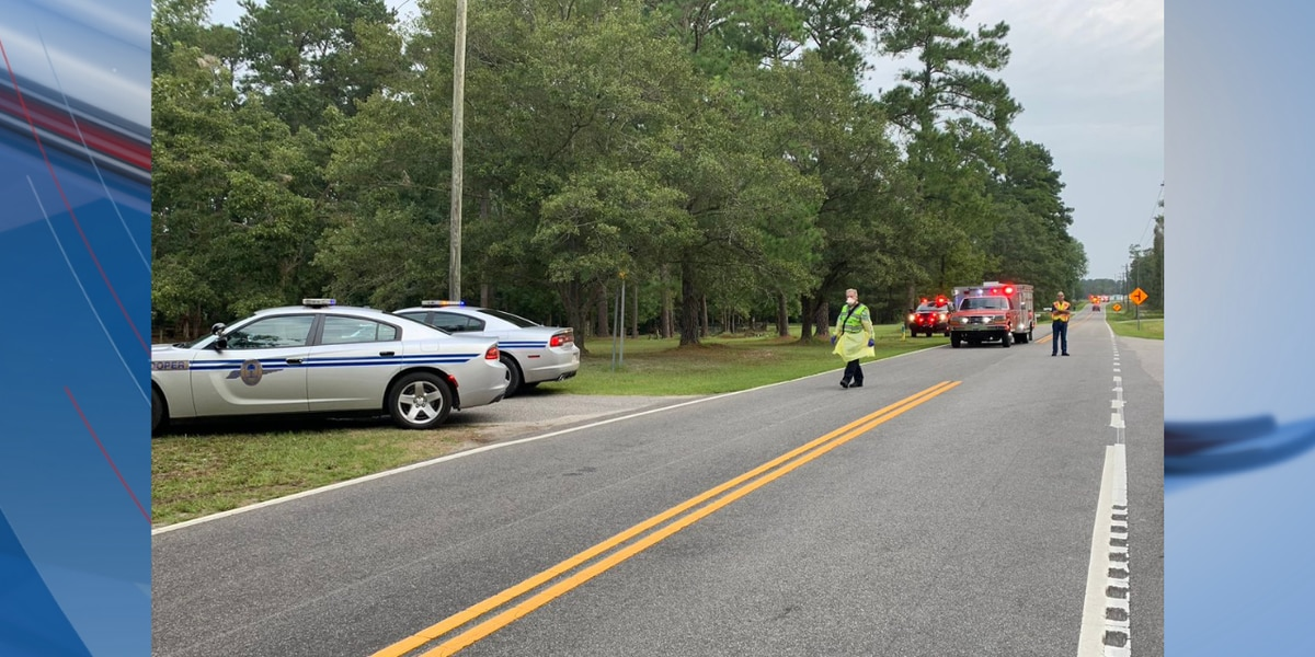 2 dead after Saturday morning crash in Horry County