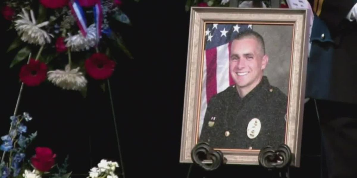 Family, fellow officers say final goodbyes to North Myrtle Beach Sgt. Gordon Best