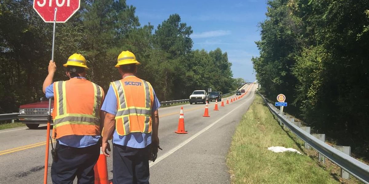 SCDOT crews close lane on bridge in downtown Conway for inspection