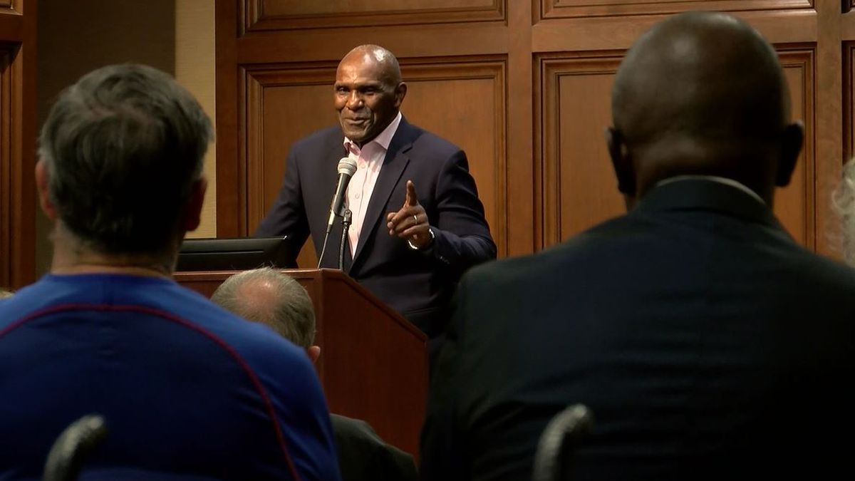 NFL legend Harry Carson returns to Florence