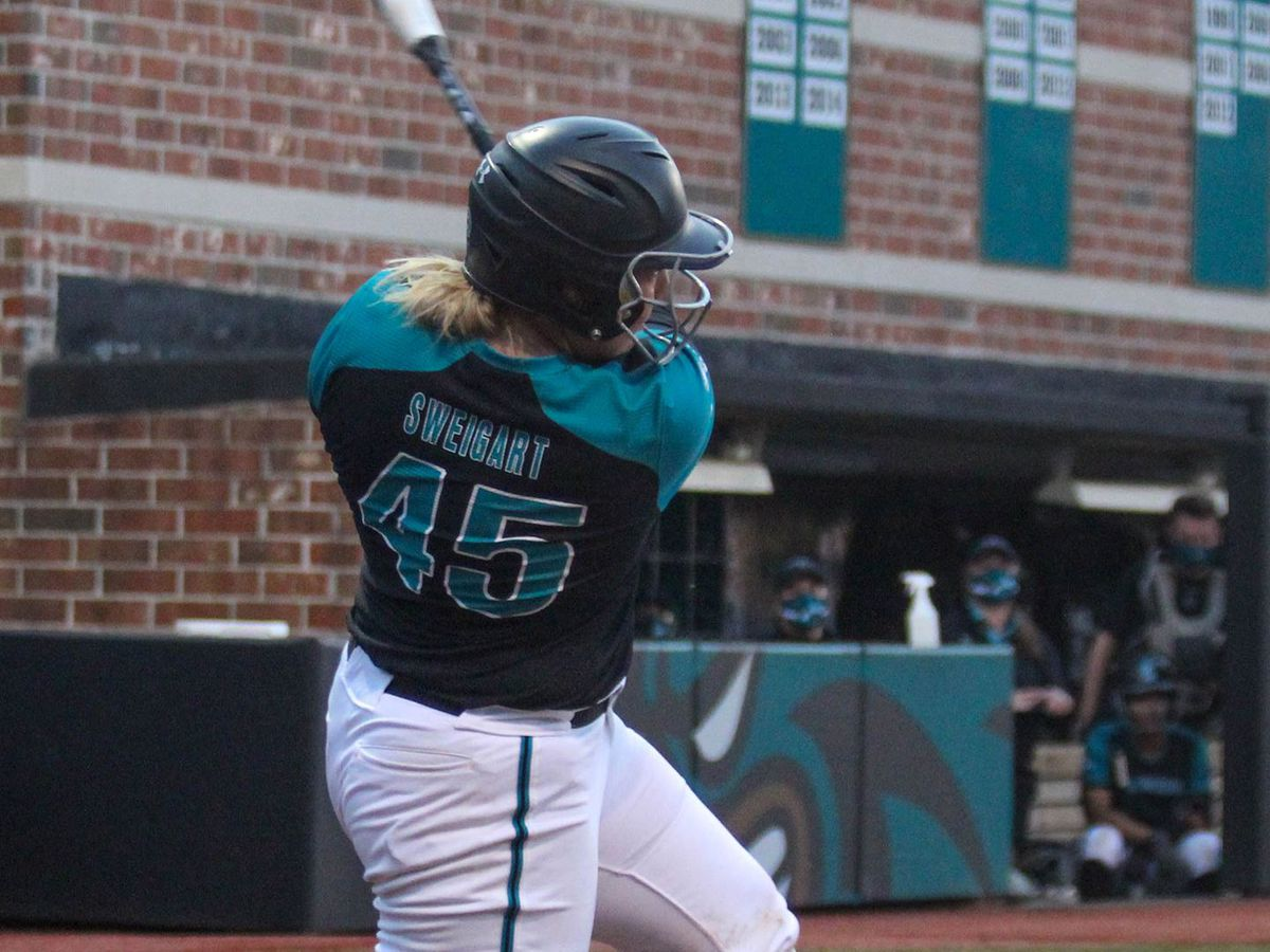 CCU Softball wins fourth-straight; defeats Owls 4-2 to open FAU Tournament