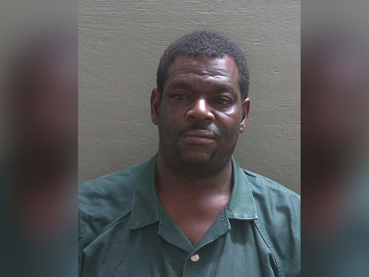 Florida man tries to run over son who wouldn't take bath, deputies say