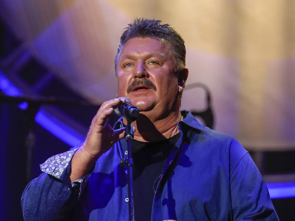 Country singer Joe Diffie dies from coronavirus at 61