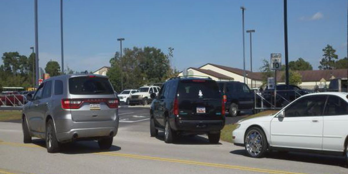 Forestbrook Elementary traffic causing safety concerns to parents, school
