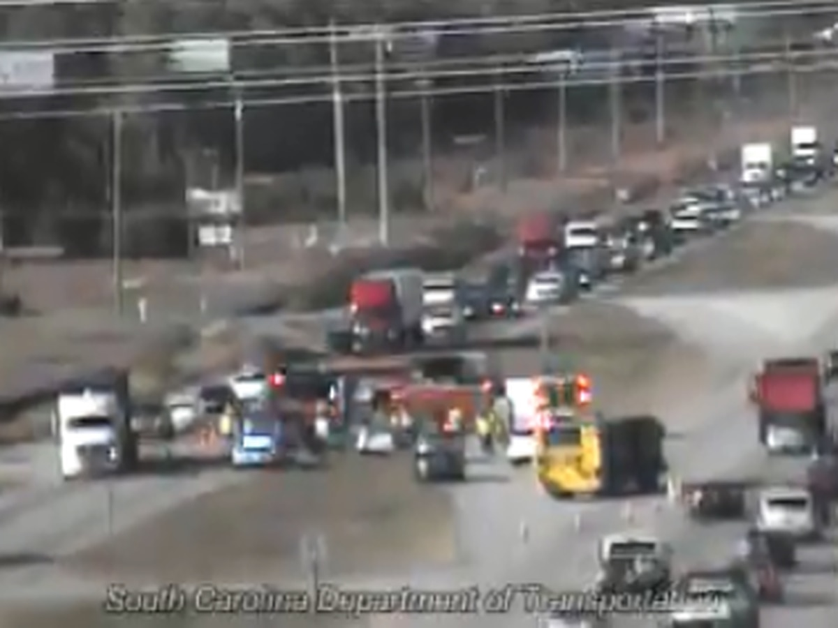 One lane closed following crash at U.S. 501 southbound, Carolina Forest Blvd.