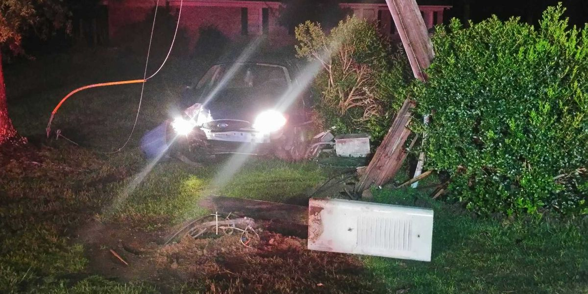 Police: Car crashes into electrical poles in Conway; damage, power outages reported
