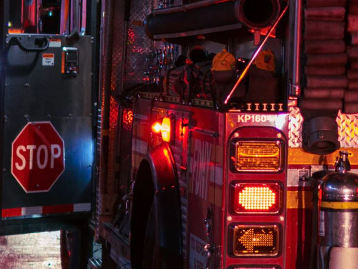 Officials: 4 killed, 2 injured in North Carolina house fire