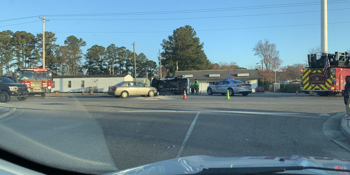 Crash with injuries slows traffic on Socastee Boulevard