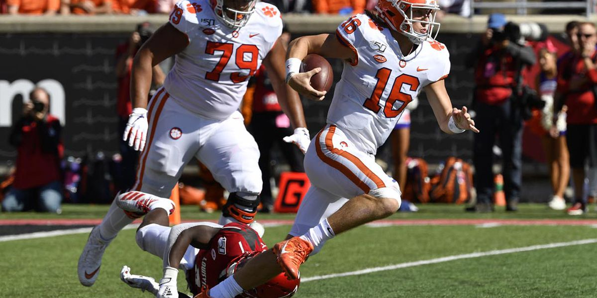 Clemson Opens at No. 1 in Coaches Poll