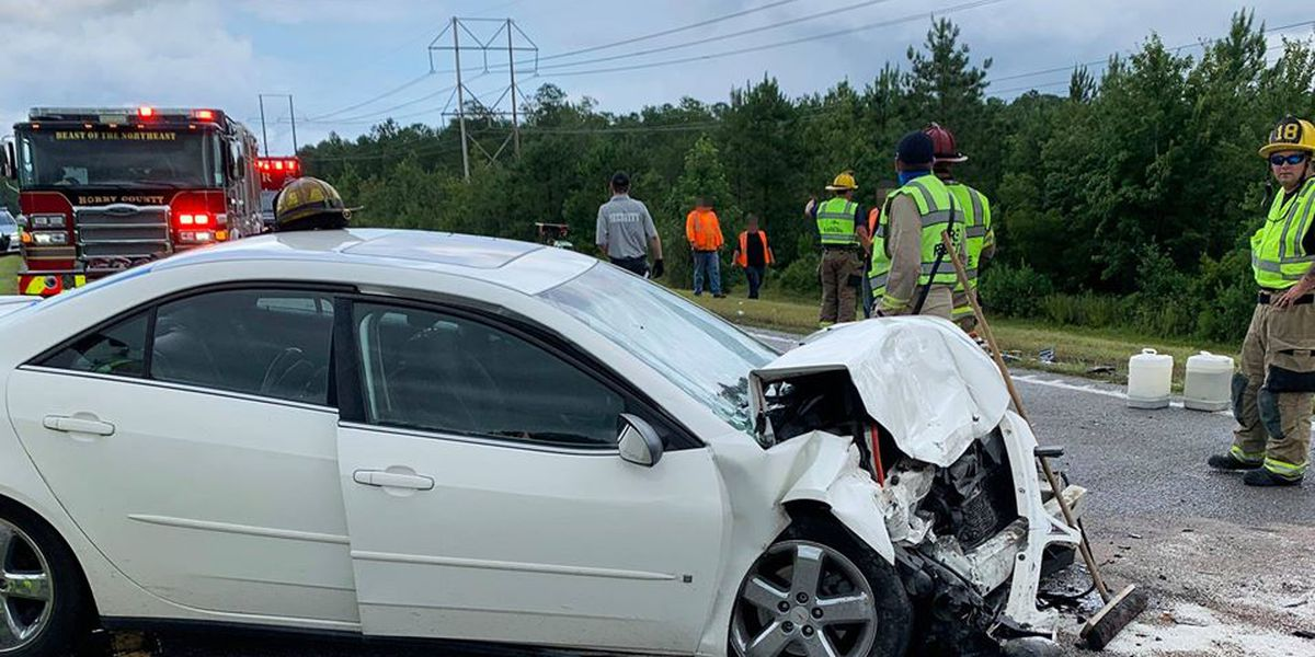 Two-vehicle crash on Hwy. 22 in Horry County injures one