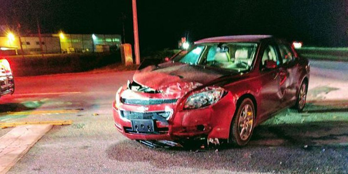 2 injured in 2-car crash in Marion County Wednesday night