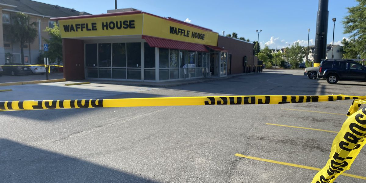 1 dead and multiple injured in North Charleston Waffle House shooting
